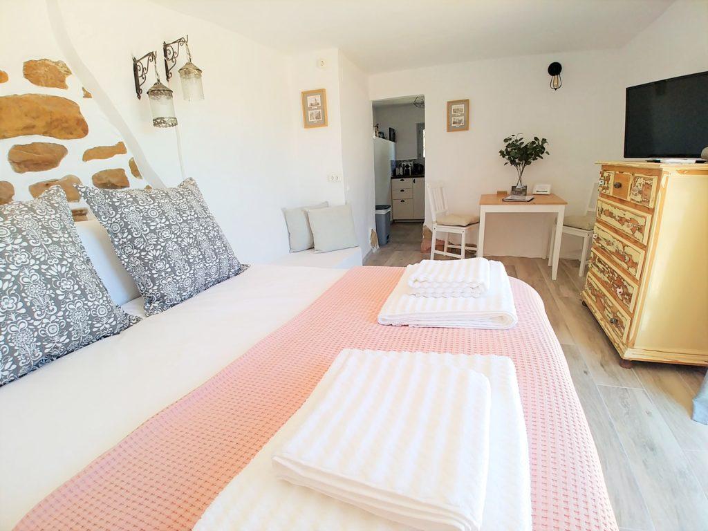 1 Bed Casita Bedroom