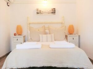 2 Bed Apt Bedroom 1